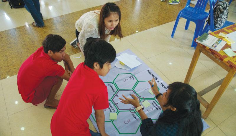 アイデア出し2 - カンボジア初開催のMakerthon「SEA Makerthon- Phnom Penh」に潜入してきました