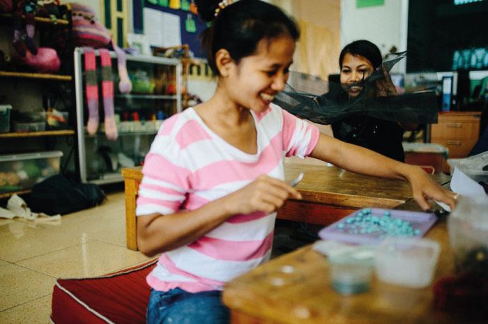 Khmer Creationsのスタッフ