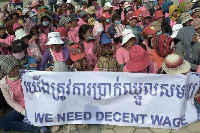 カンボジア人労働者の低賃金に対しての抗議