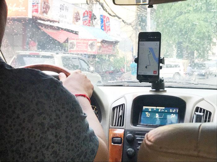 Uberのカンボジア人ドライバーの声